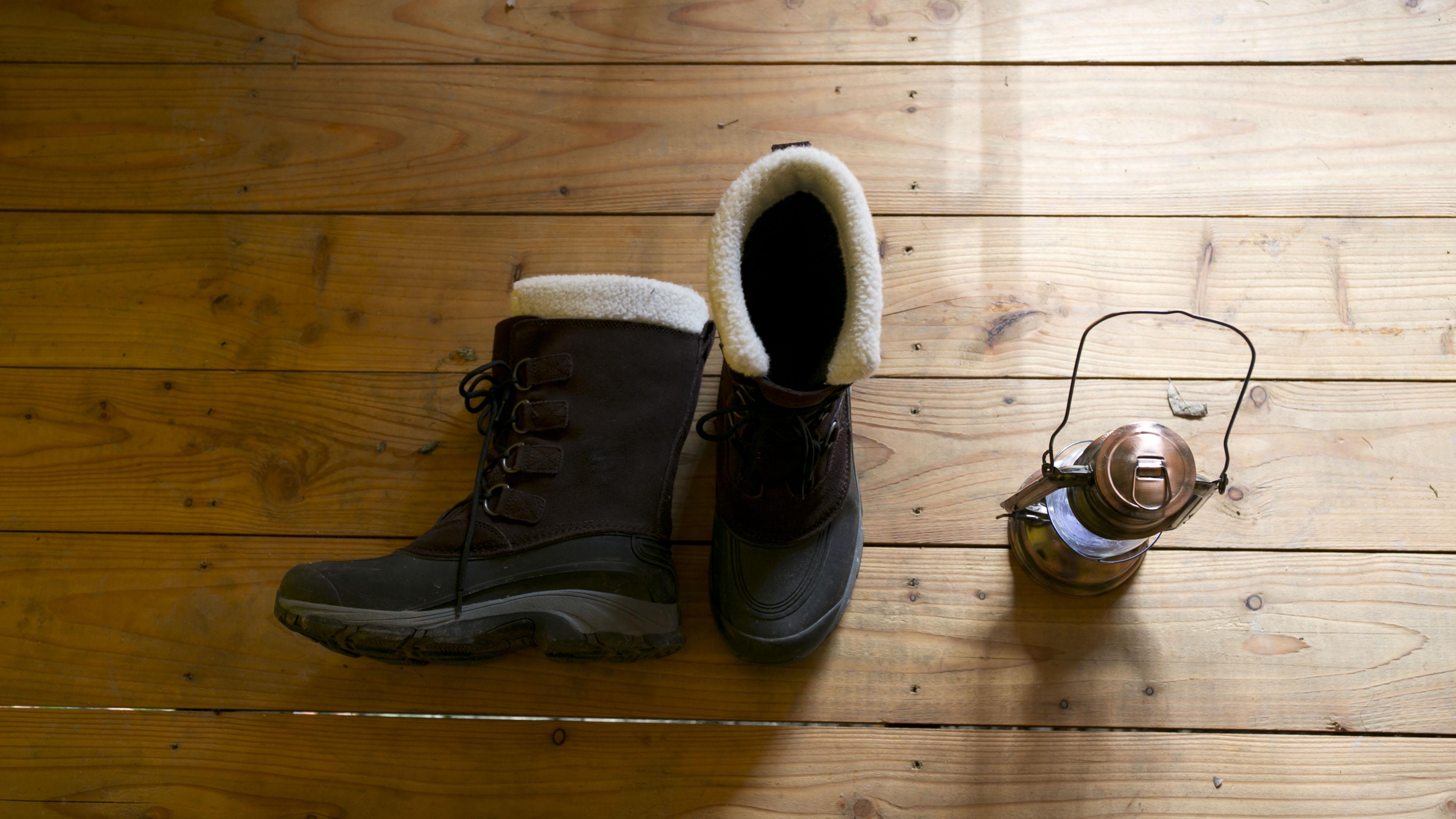 boots lantern deck