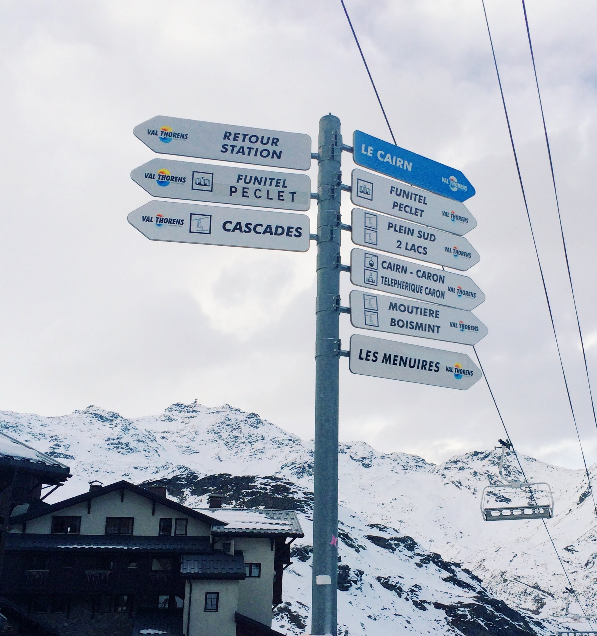 Val Thorens Signs Ski