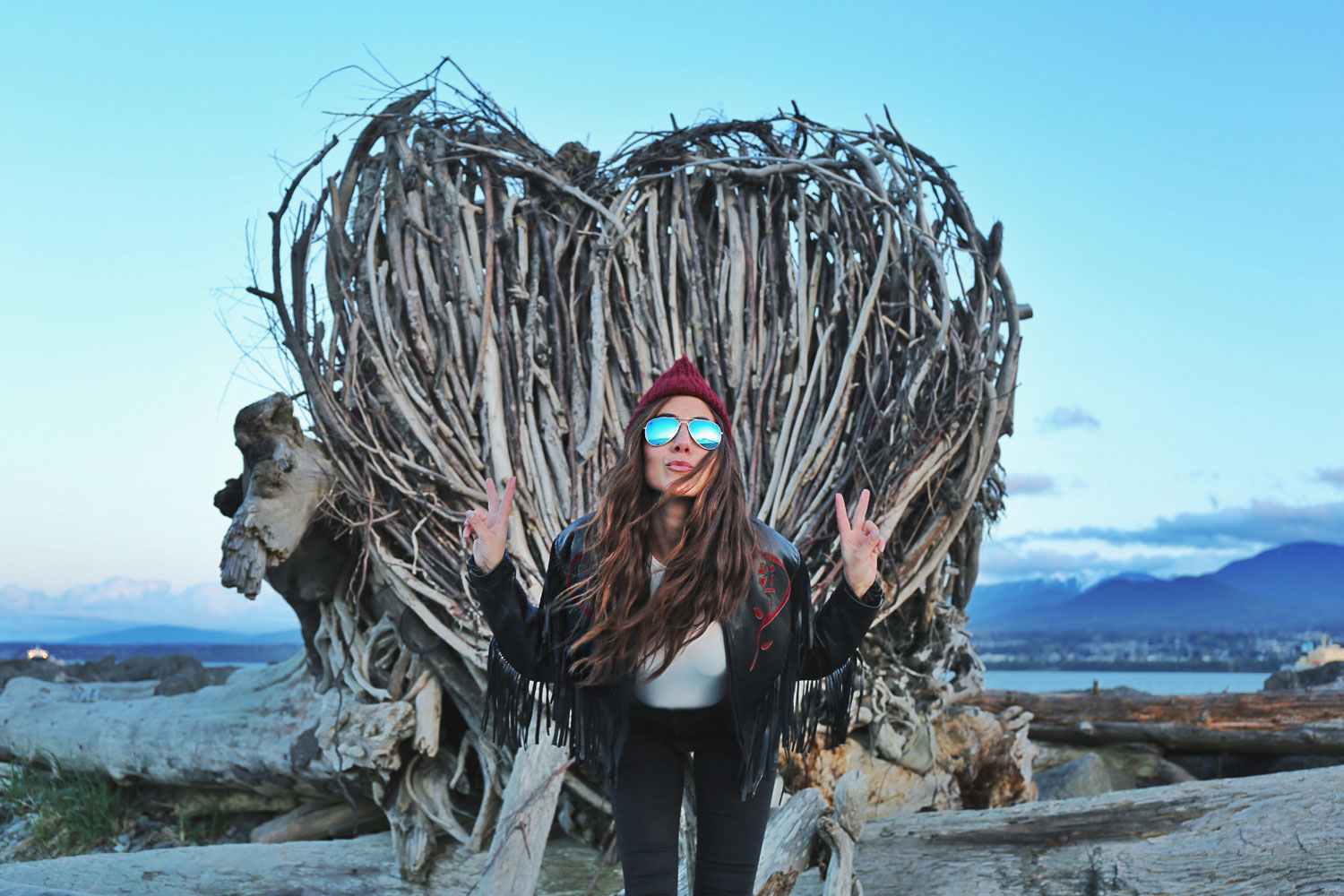 Driftwood-Heart-in-Port-Angeles